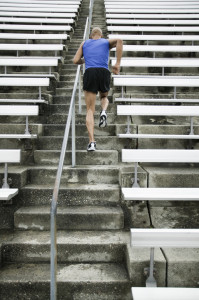 階段を利用する時の膝の痛みの原因は?